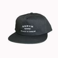 BENCH / COLLEGE LOGO CAP (CHARCOAL)
