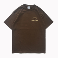 BENCH / SMALL COLLEGE LOGO TEE (COFFEE)