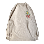KR USA / UNITED WE'RE GRAND LS TEE (SAND)